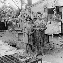 250px-Poor_mother_and_children,_California_1936_by_Dorothea_Lange