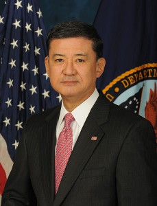 458px-Eric_Shinseki_official_Veterans_Affairs_portrait